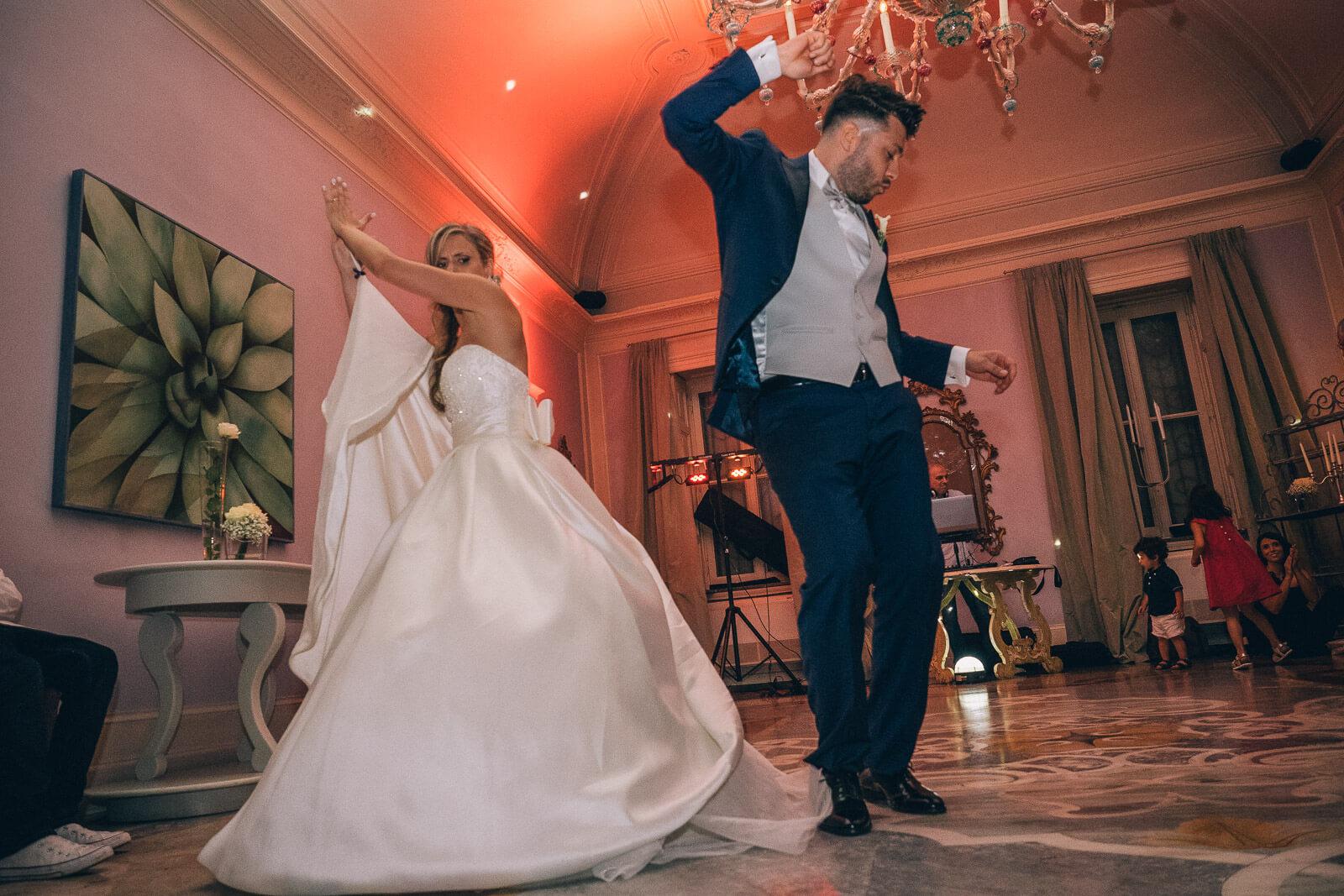 Fotografo matrimonio Milano prezzi: il ballo degli sposi