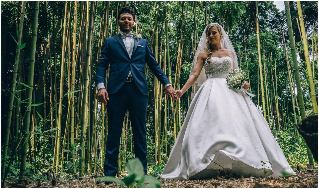 Fotografo matrimonio Milano prezzi: passeggiata con gli sposi