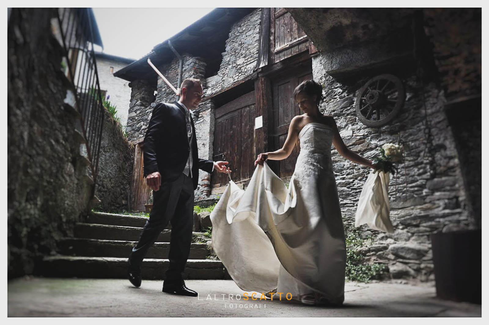 scegliere fotografo matrimonio: la passeggiata degli sposi