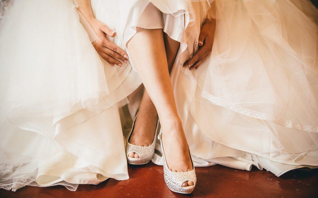 Come ottenere foto stupende durante la tua preparazione nel giorno del matrimonio.
